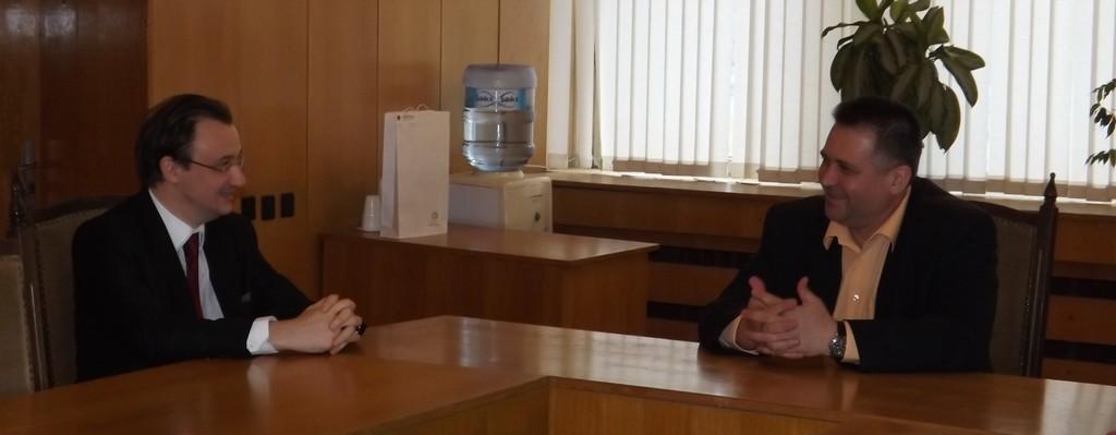Кметът д-р В. Василев се срещна с Генералният Консул на  ...