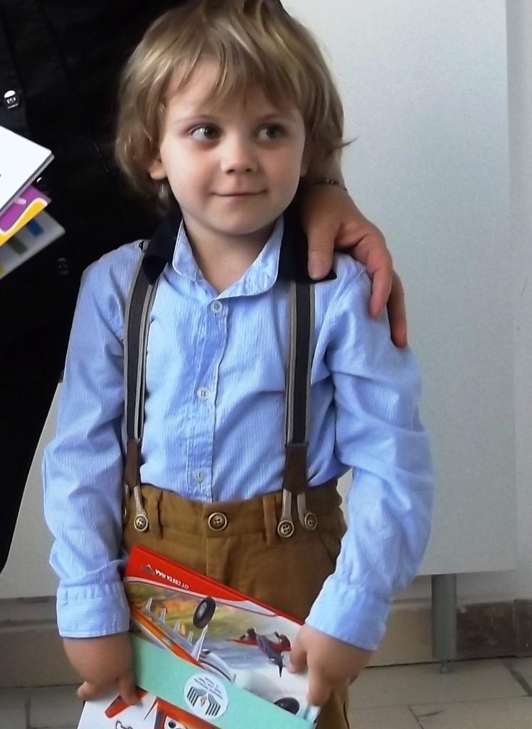 4-годишният Александър е най-малкия активен читател на  ...