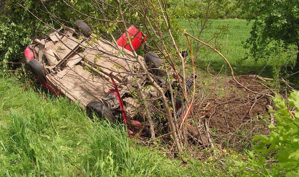 35-годишен загина в тежка катастрофа на пътя между Прос� ...
