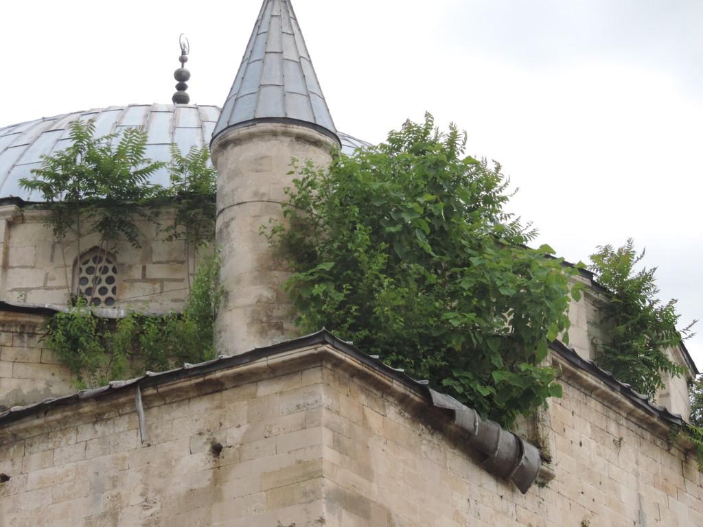 Следващия месец започва почистване на купола на джами� ...