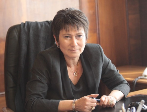 Зам.министърът на икономиката Даниела Везиева е на пос ...