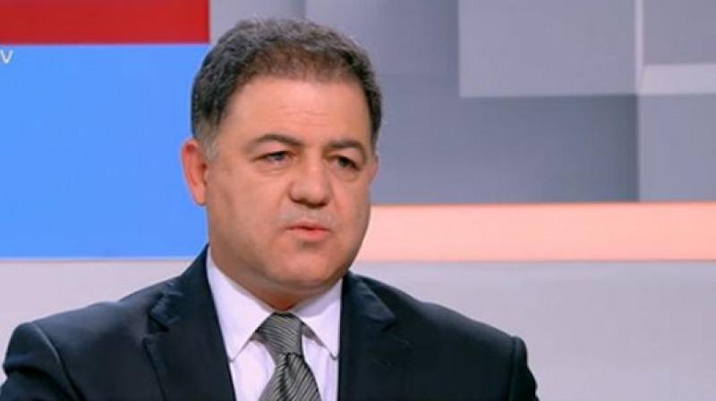 Министърът на отбраната Николай Ненчев ще почете паме� ...