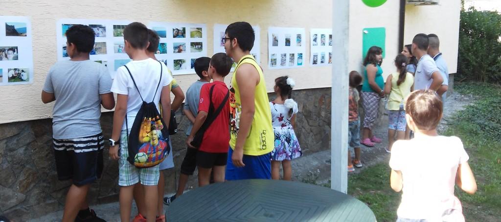 Изложба с детски рисунки постави финала на летните зан ...