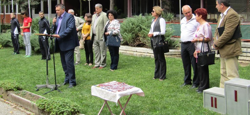 Градоначалникът откри новата учебна година на ЦПЛР-УС� ...