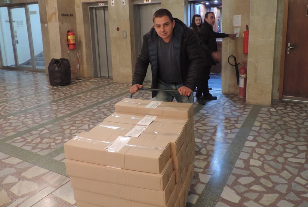 152 400 бюлетини за президентските избори пристигнаха в О ...