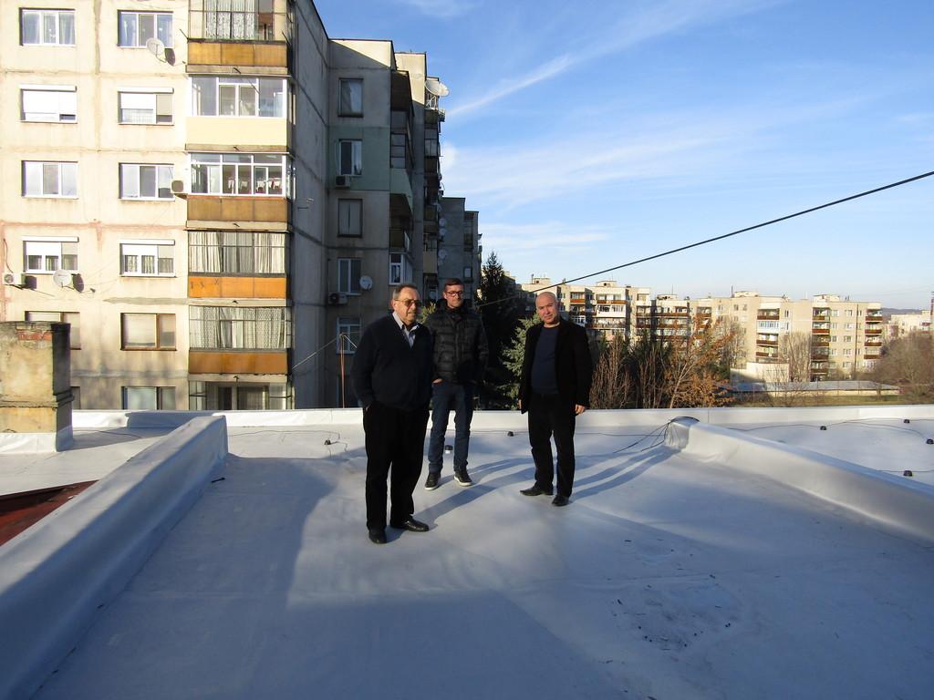 Ремонтираха покрива на Дневния център на деца с уврежд ...
