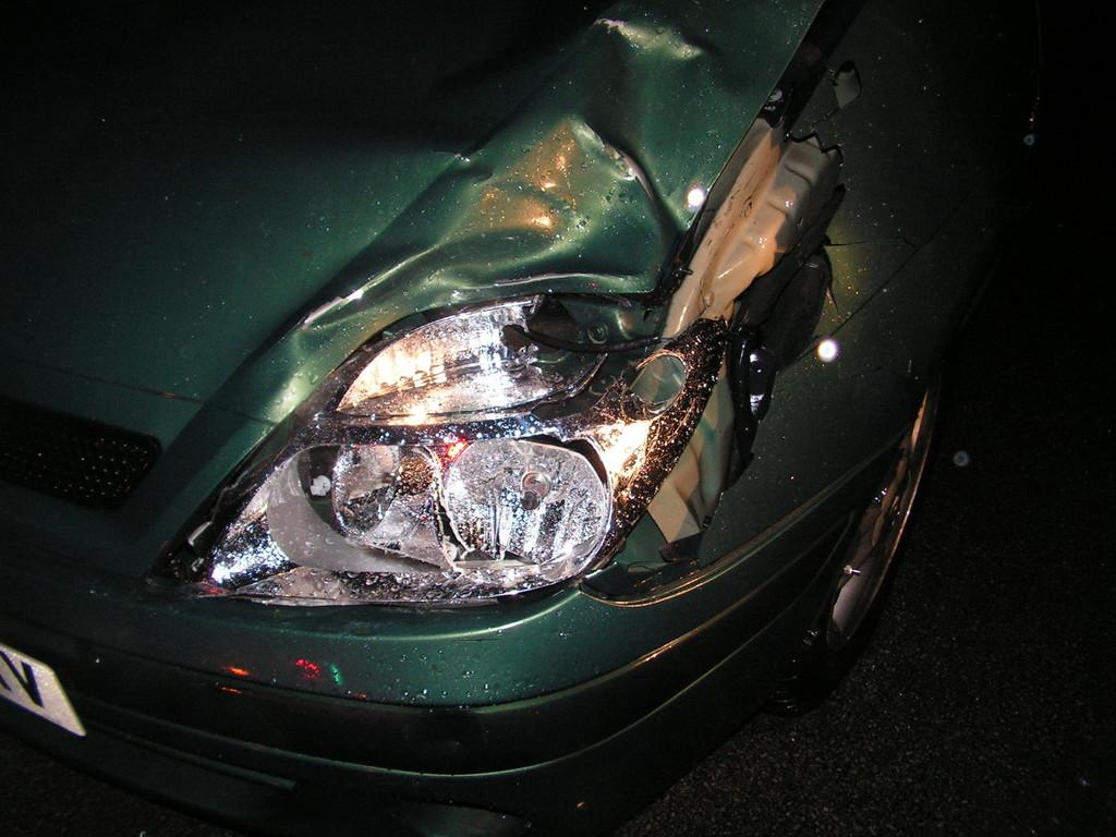 Автомобил помете и уби възрастен мъж на главния път до  ...