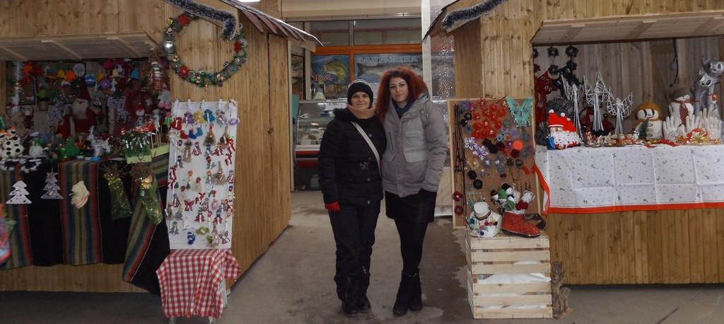 """Арт и кулинарни изделия предлага Коледния базар на """" ..."""