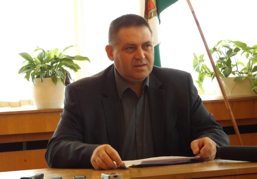 Градоначалникът д-р Валентин Василев представя Разгра ...