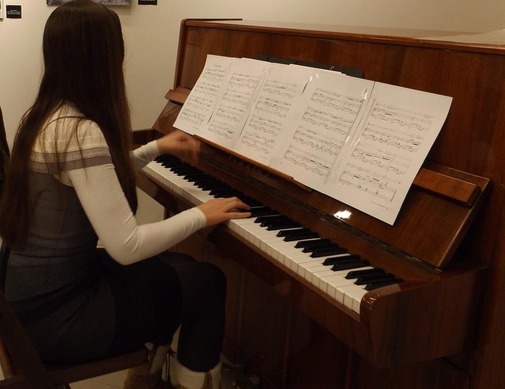На 8 април откриват Националния конкурс за млади пиани� ...
