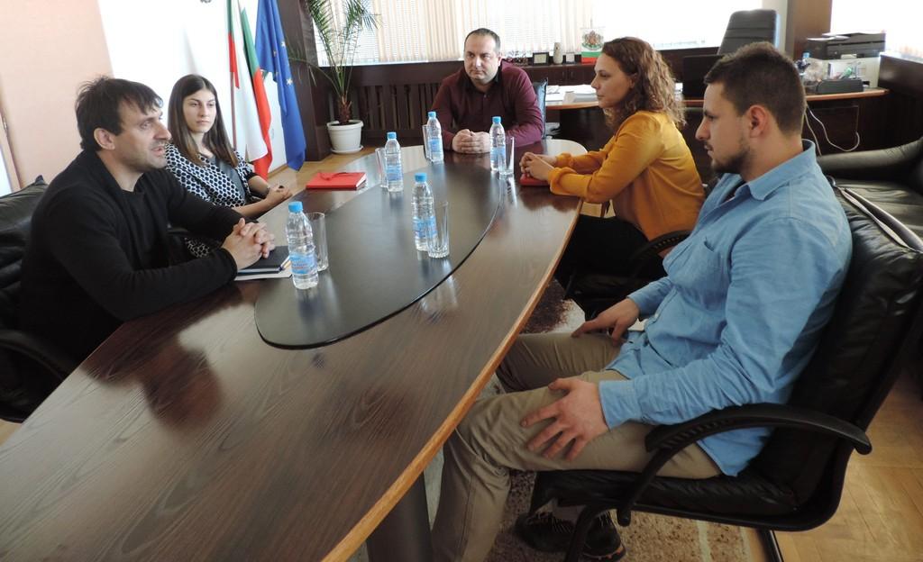 Губернаторът Манол Кившанов се срещна с представители ...