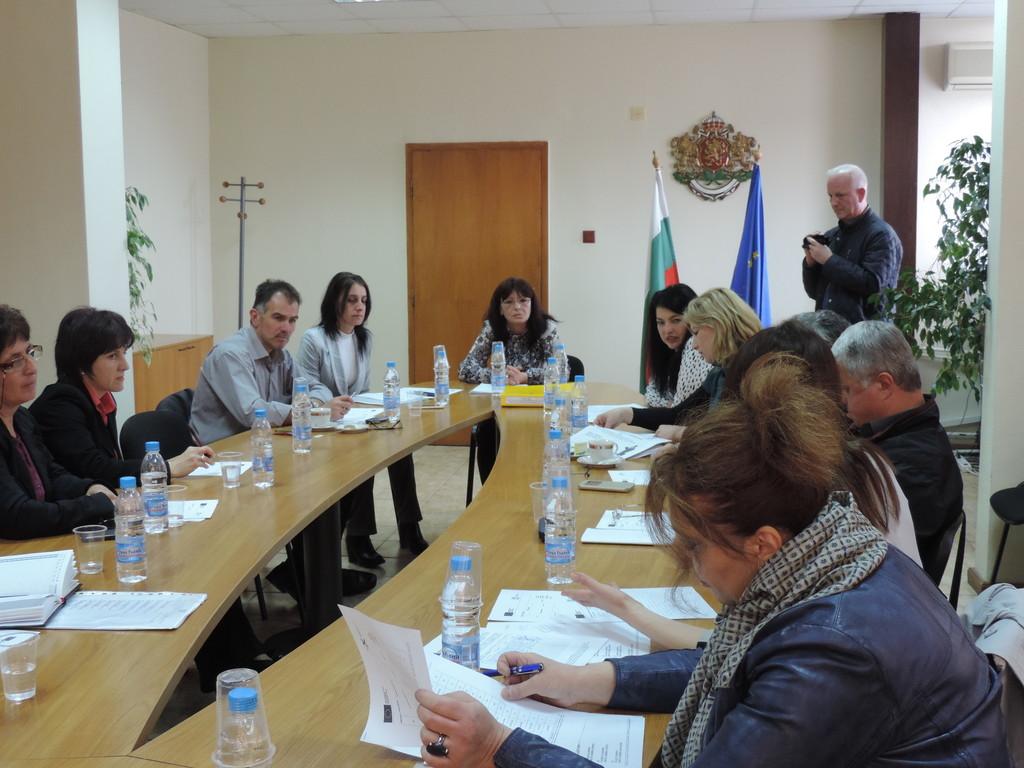 Комисията по заетост към Областния съвет за развитие н ...