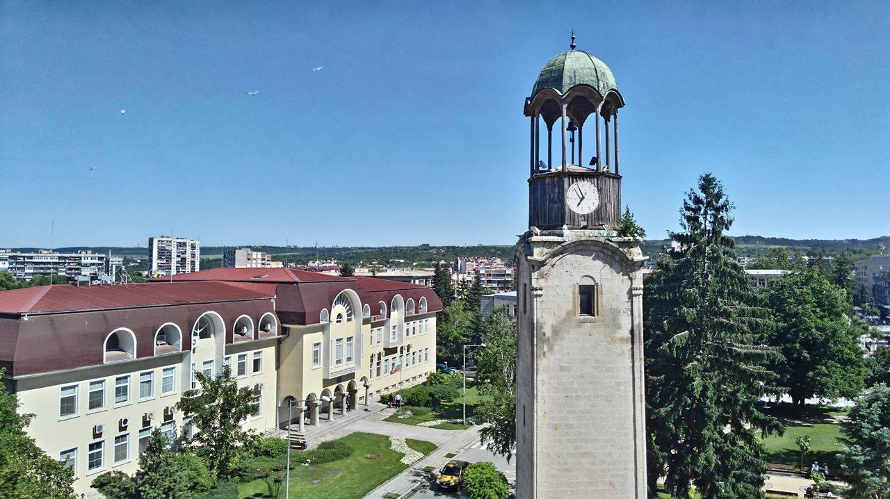 През юли Община Разград стартира ремонта на Часовнико� ...