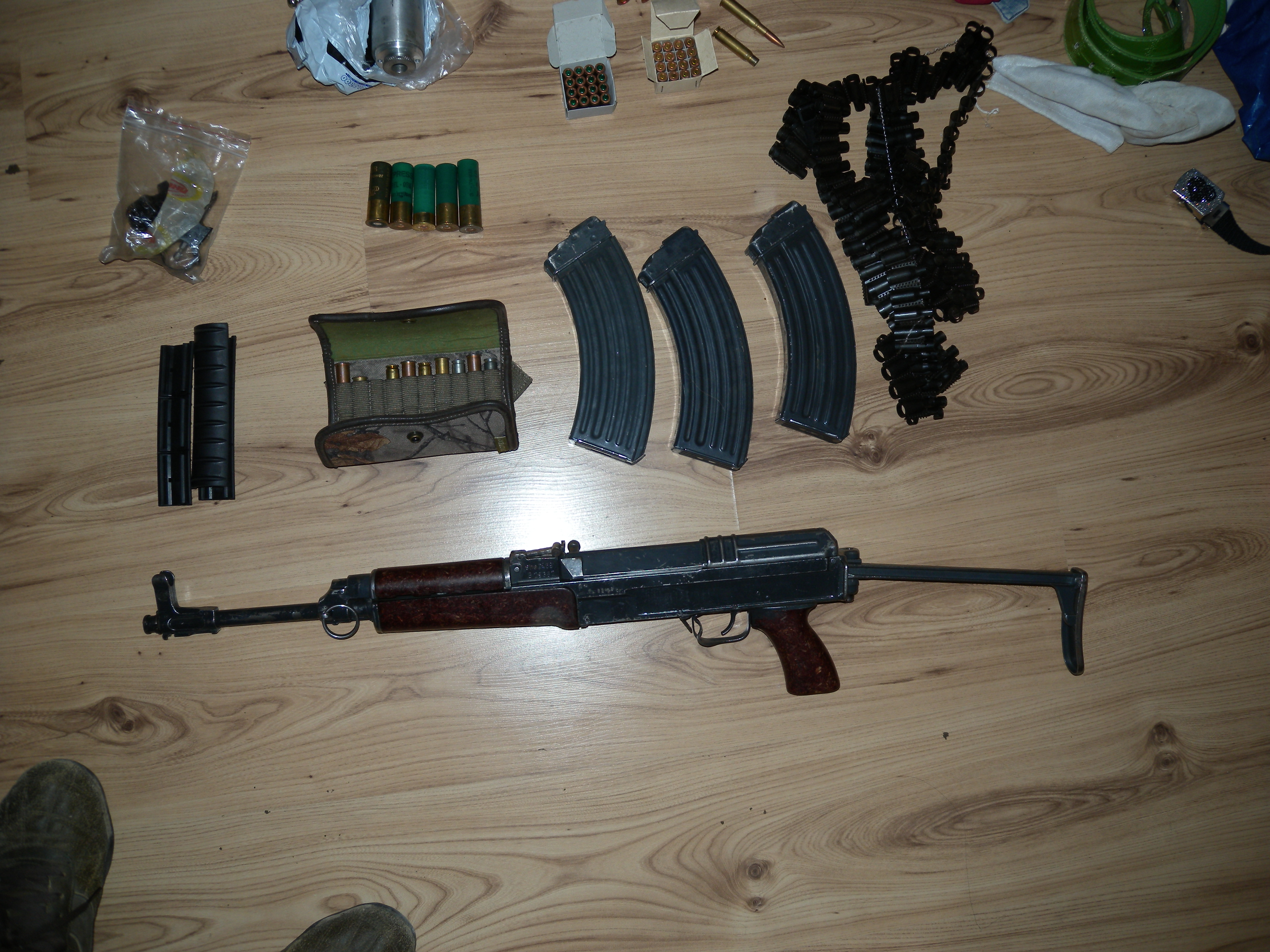 Иззеха оръжие и боеприпаси от частен дом на бивш ловец  ...