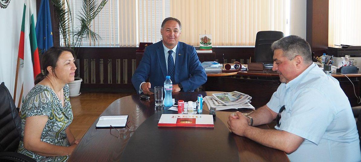 Областният управител се срещна с представител на фирм� ...