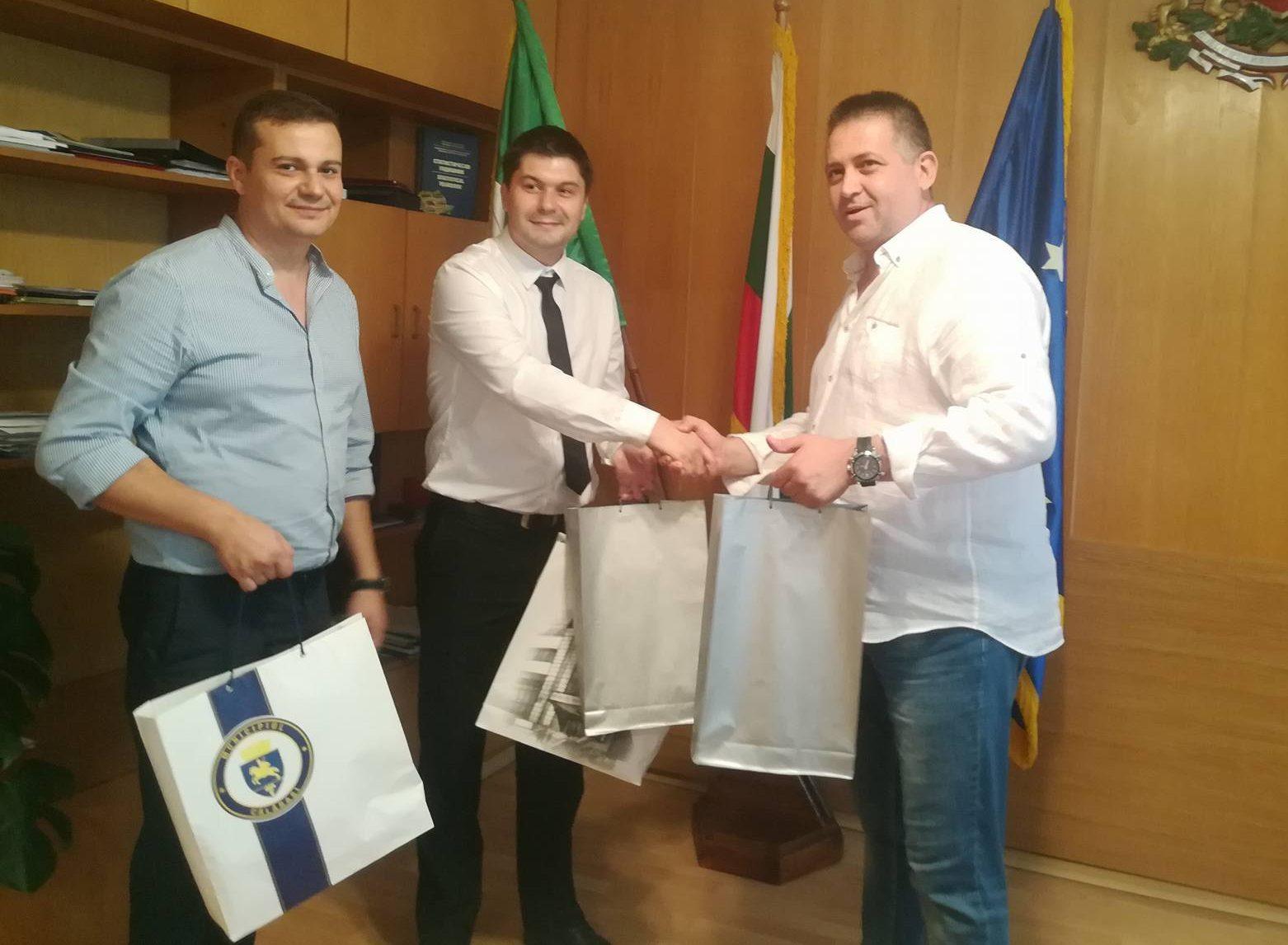 Д-р Валентин Василев посрещна делегация от Кълъраш