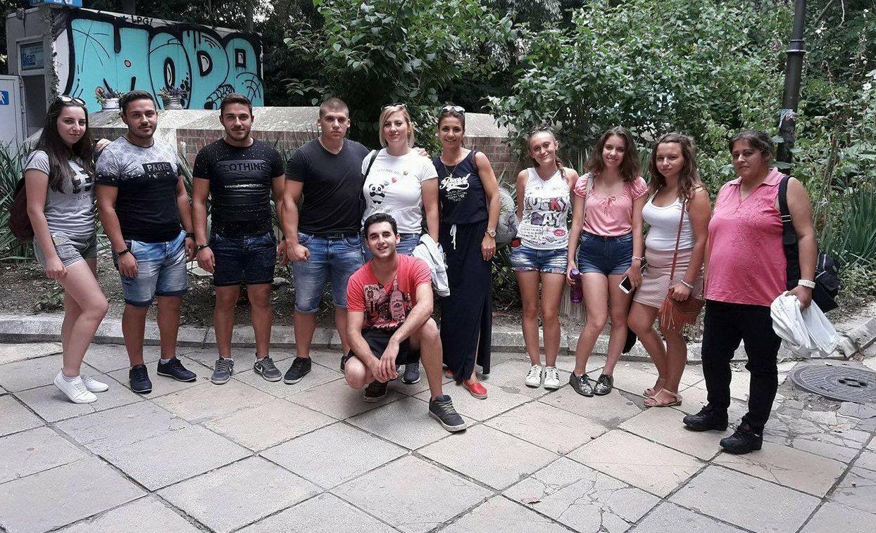 Ученици от Училищните превантивни клубове от Разградс ...