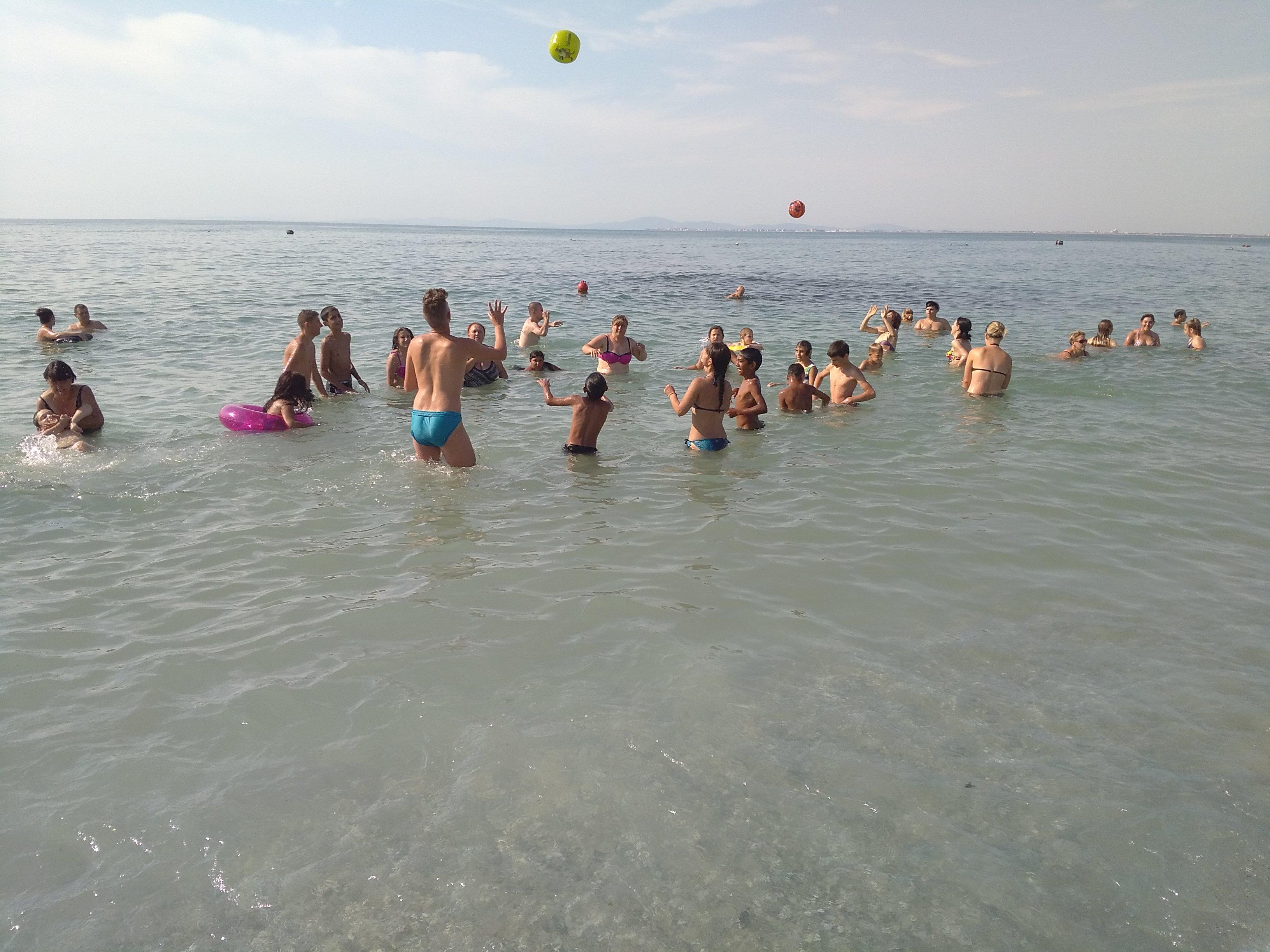Децата от КЦНСТДМБУ прекараха 7 дни на море в Равда бла� ...