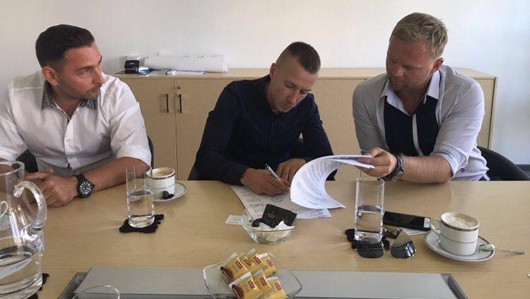 Национал на Полша подписа с Лудогорец за три години
