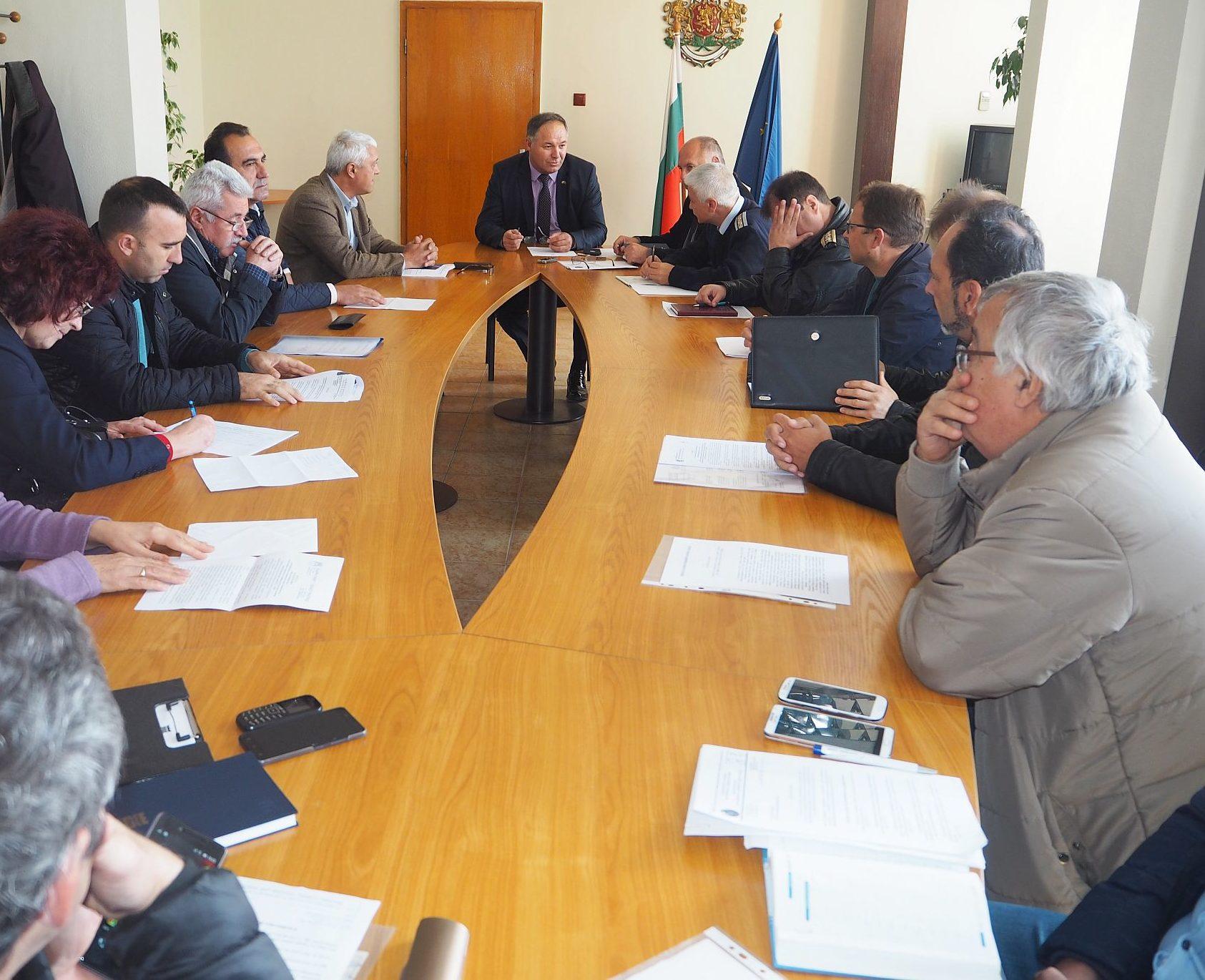 Областният управител поиска до 15 ноември кметовете да  ...