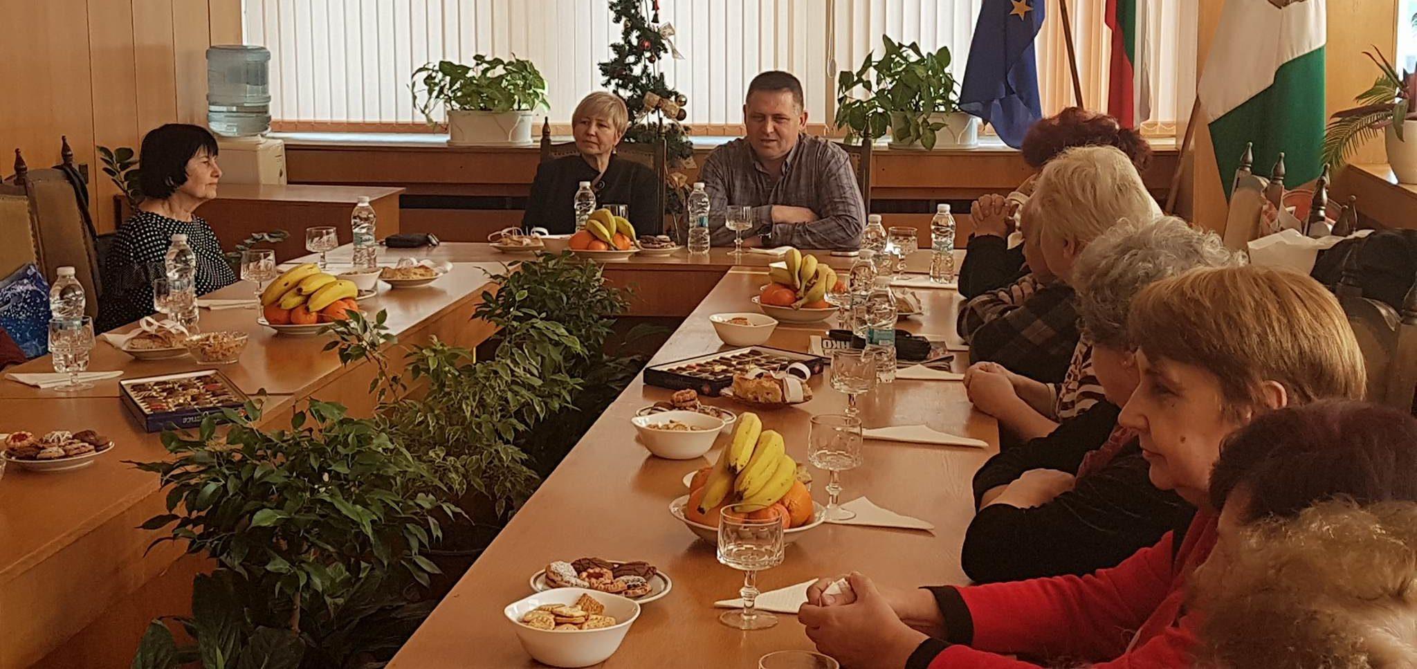 Градоначалникът се срещна с председателите на пенсион ...