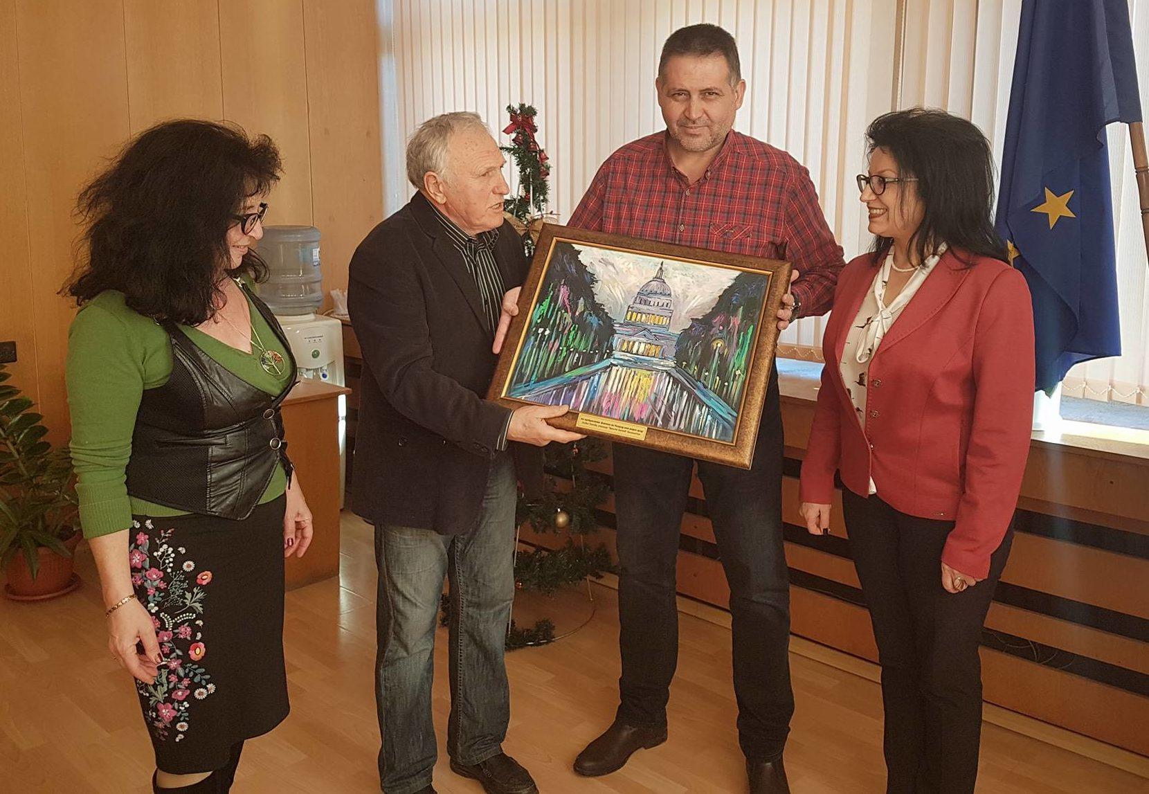 Българското училище във Вашингтон подари картина с ма� ...