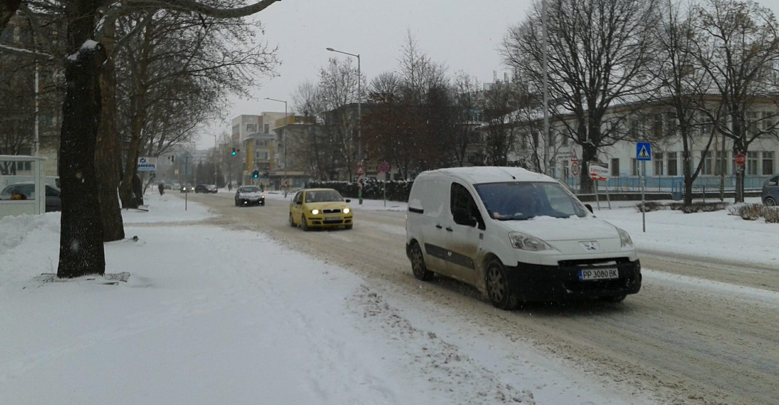 До 20 см. стига снежната покривка в Област Разград, има и ...