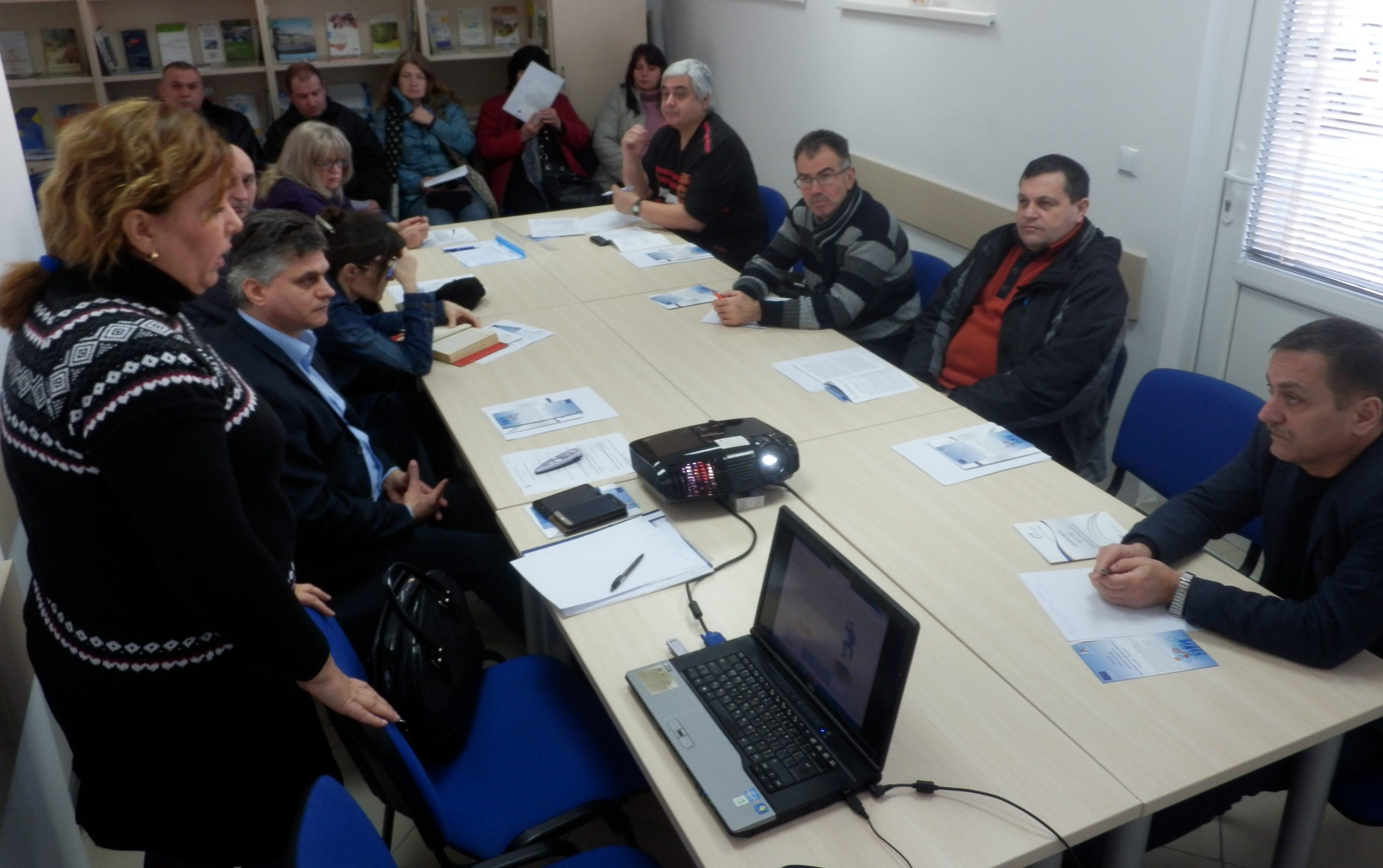 ОИЦ и Бюрото по труда проведоха информационна среща с � ...