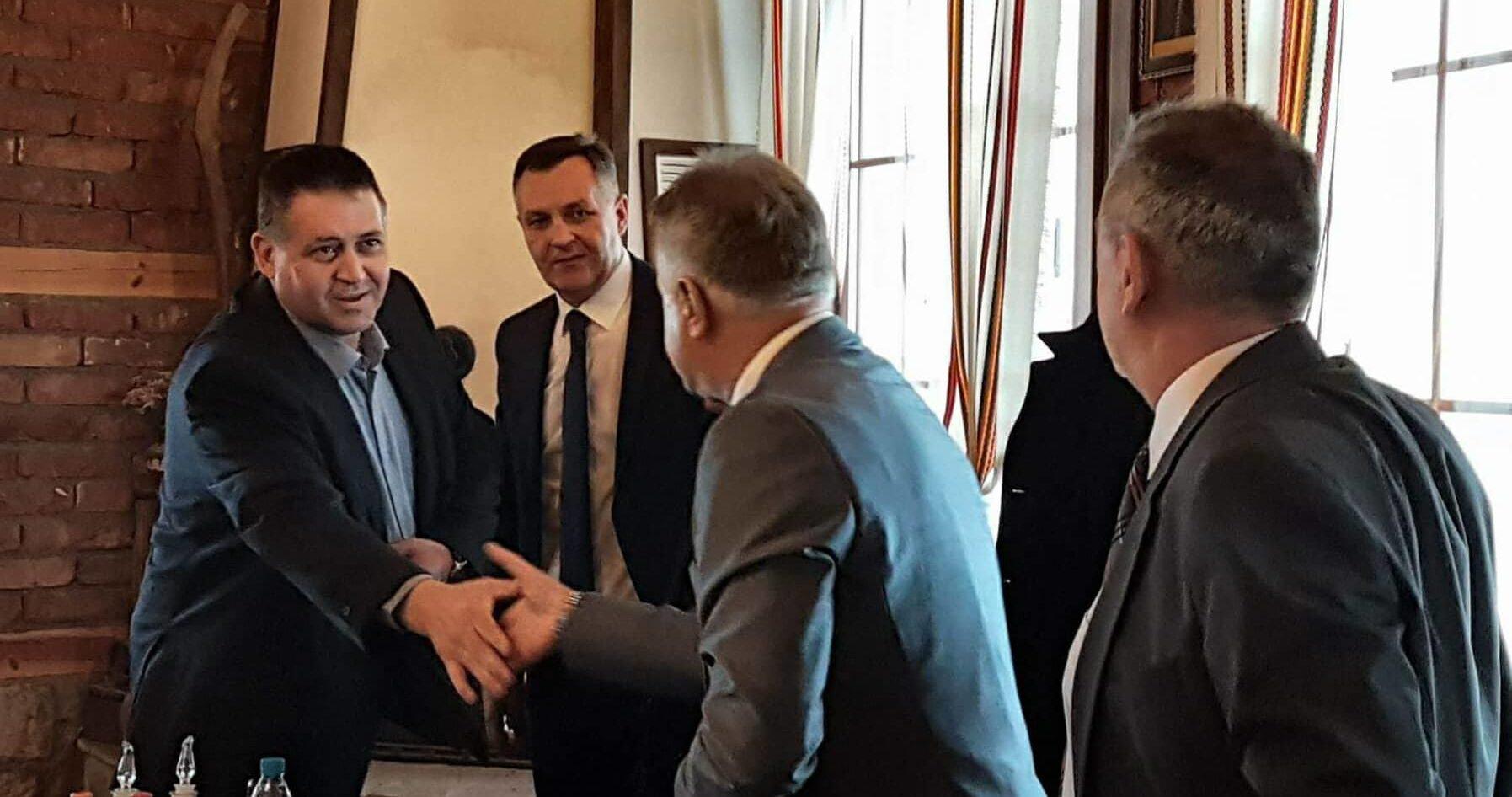 Кметът на Разград проведе две срещи с гости от Босна и � ...