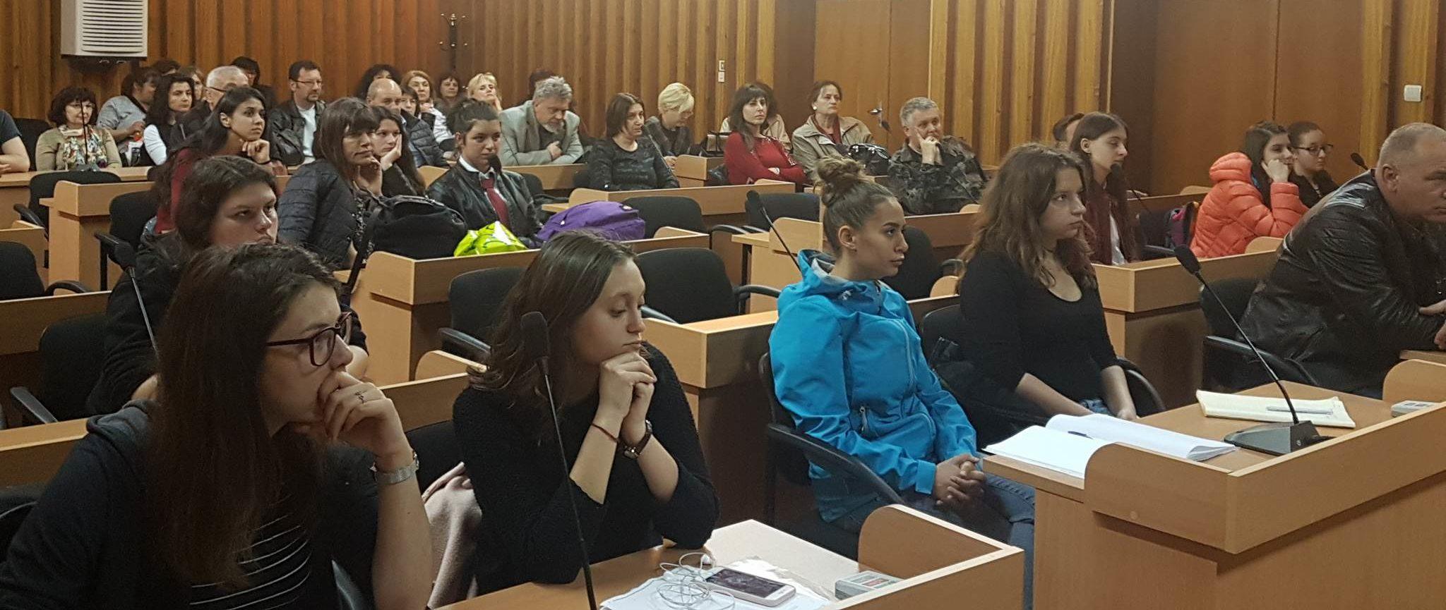 Зам.-кметът Ердинч Хасанов откри семинар за превенция � ...