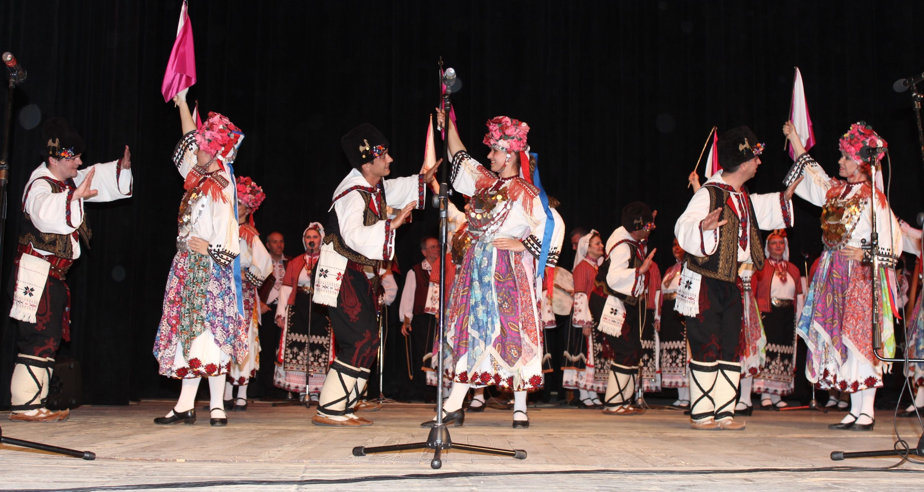 Капанският ансамбъл с турне в три града за Великден
