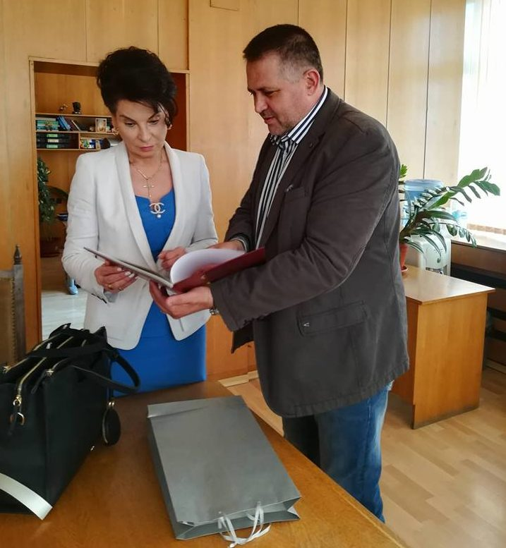 Кметът се срещна със зам.-министъра на труда и социална ...