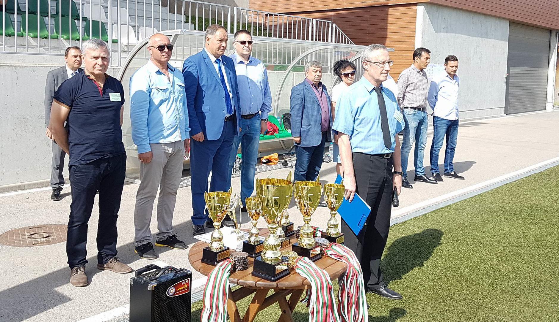 Кметът на Разград д-р Валентин Василев откри финалите � ...