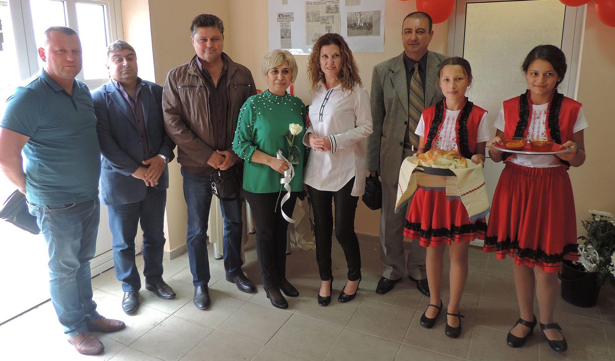 Заместник областният управител Евгени Драганов посре� ...