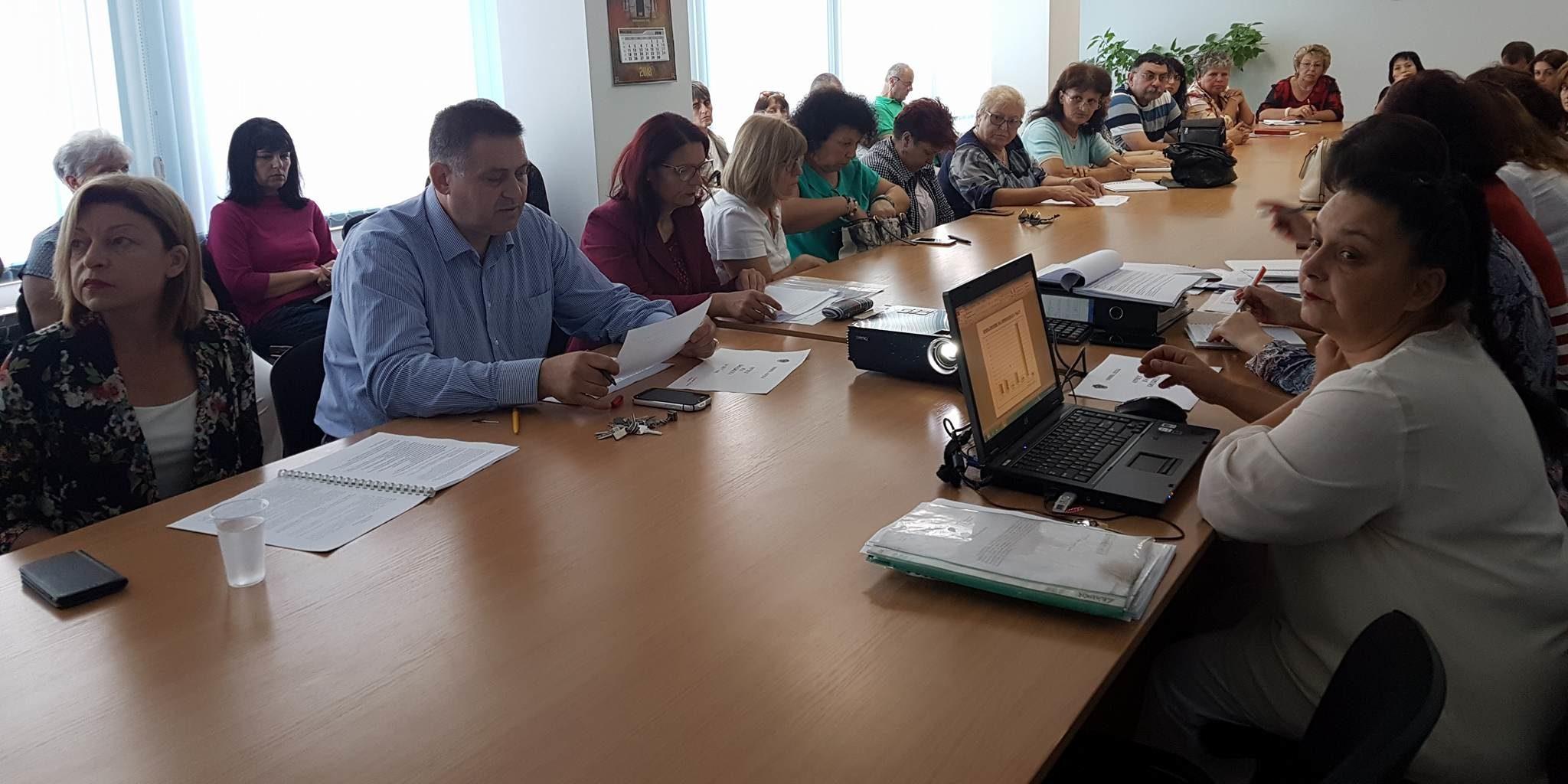 Кметът д-р Валентин Василев представи годишен отчет за ...