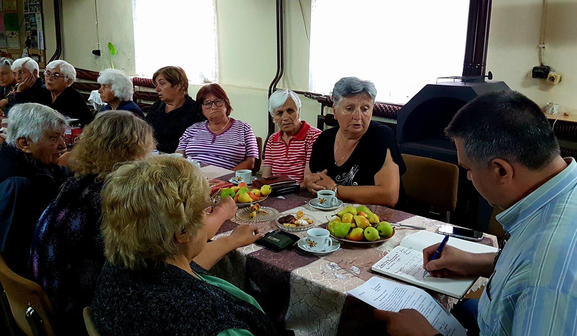 Д-р Валентин Василев се срещна с пенсионери в Пороище и ...