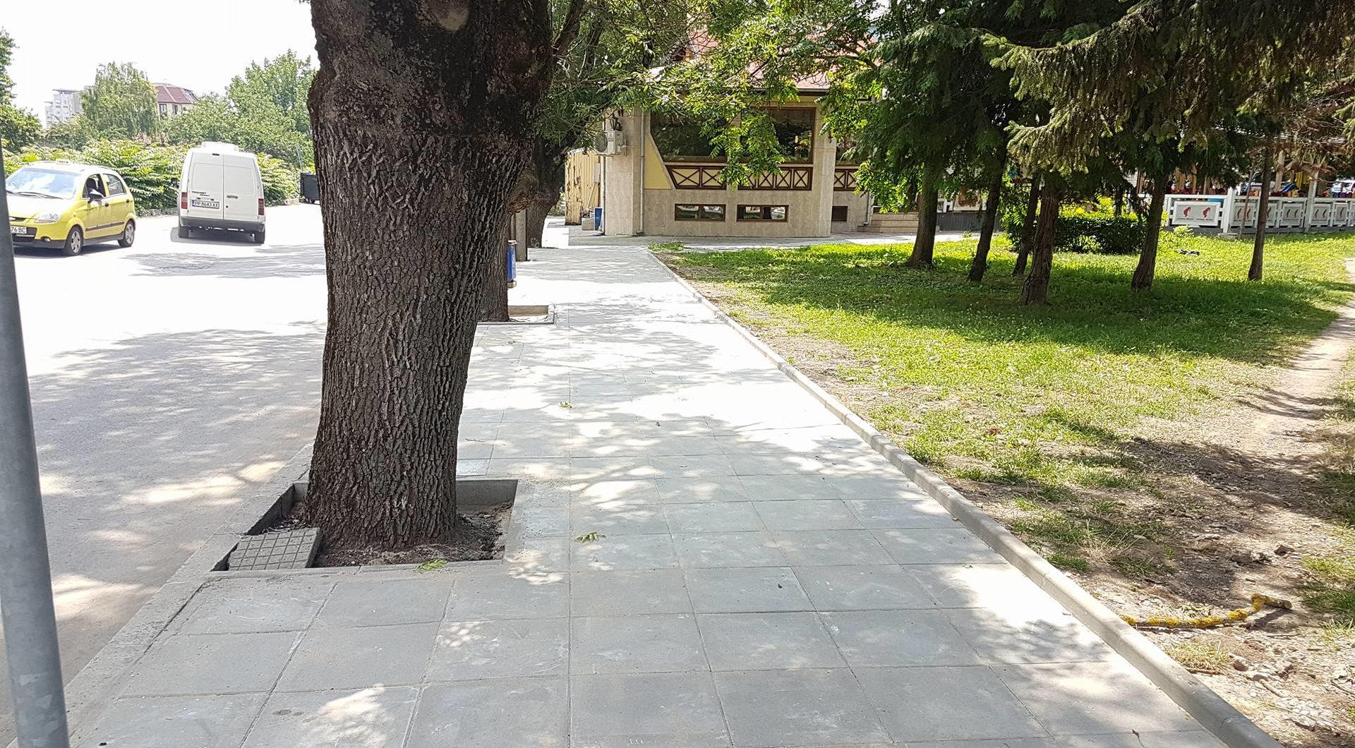 Кметът инспектира и започналата реконструкция на трот ...