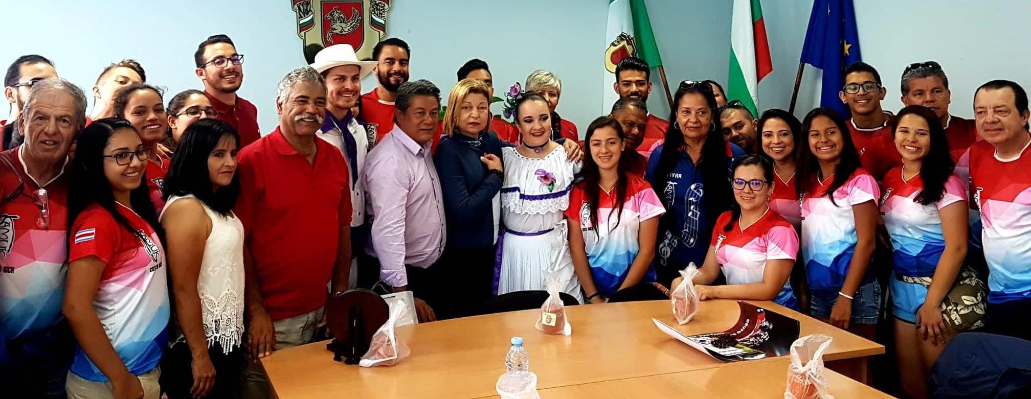 Гости от САЩ при кмета на втория ден от Панаира на кисе� ...