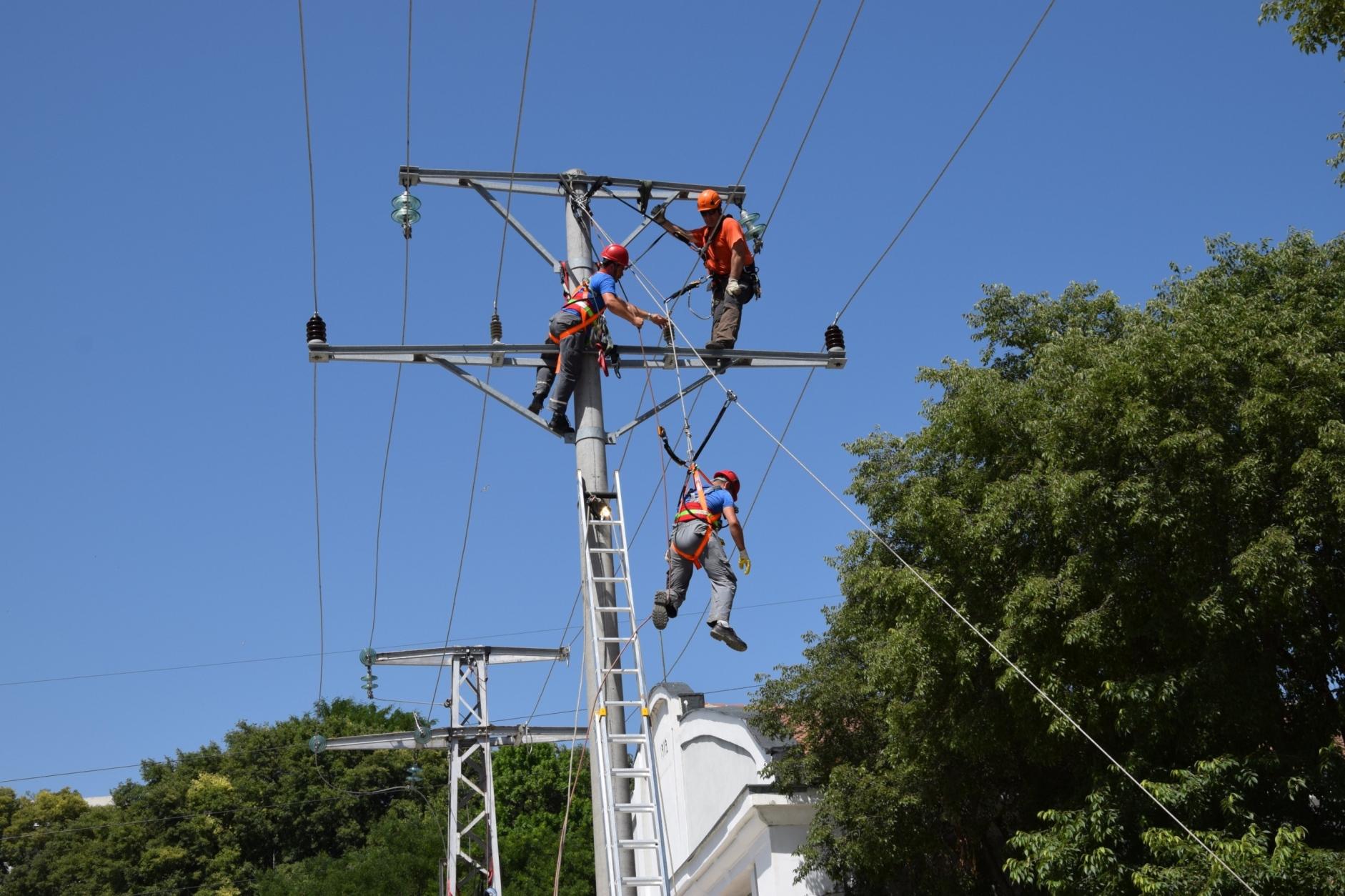 Планови ремонти прекъсват тока в Разград и няколко сел ...