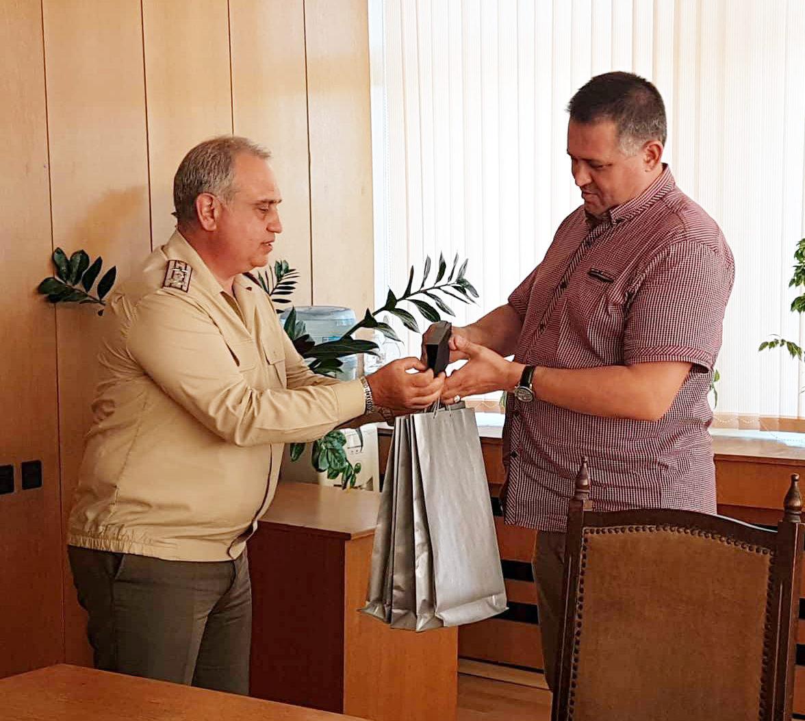 Д-р Валентин Василев посрещна началника на Централно в ...