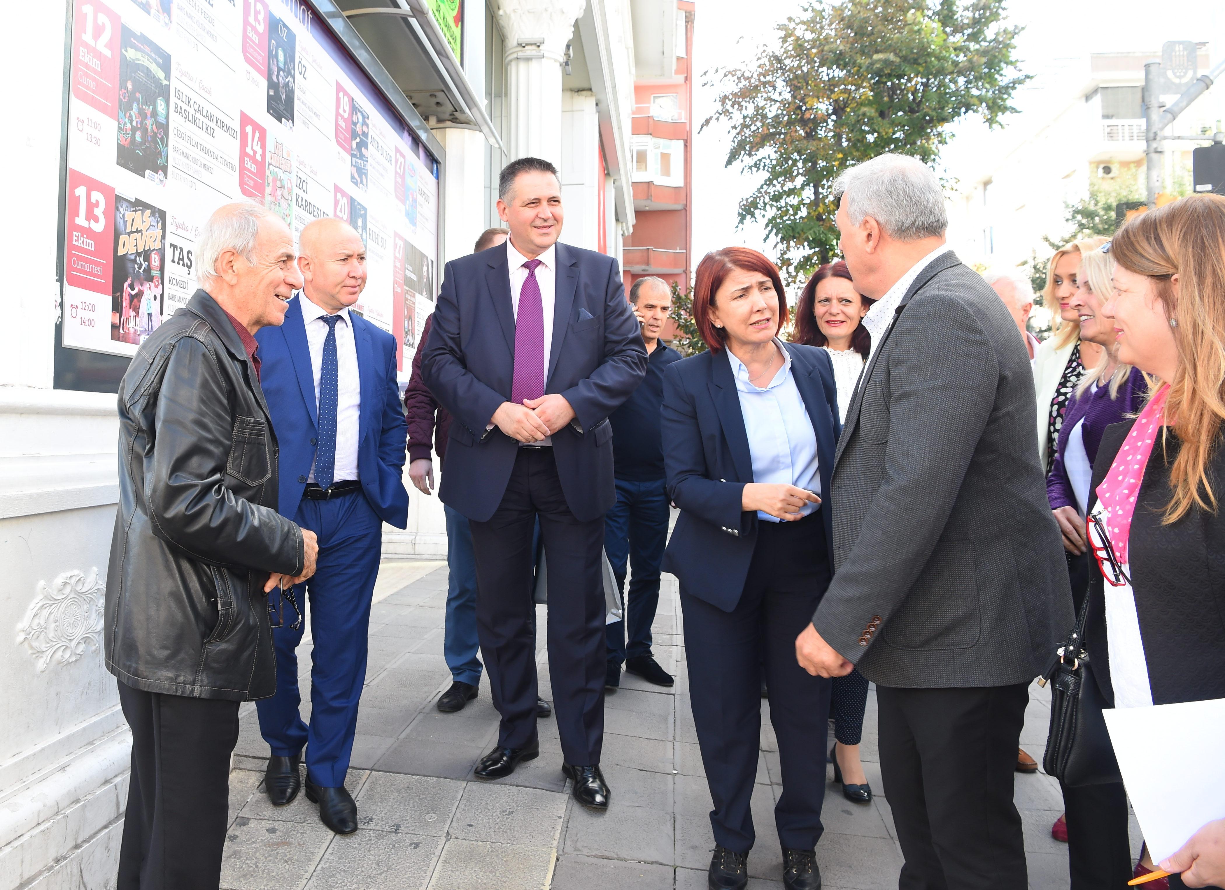 Кметът и заместниците му се срещнаха с колегите си в Ав ...