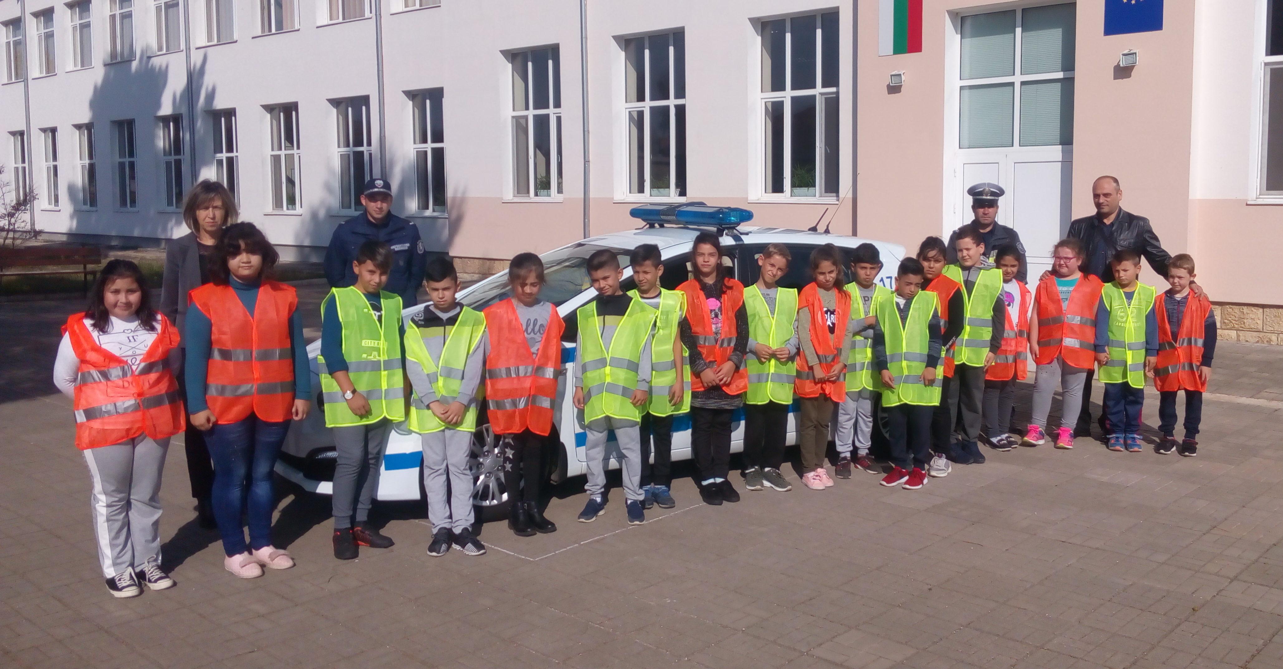 Ученици от Острово се включиха в занятие по програмата ...