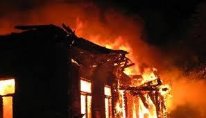 Пожар изпепели трактор, 150 кв. м. покривна конструкция, � ...