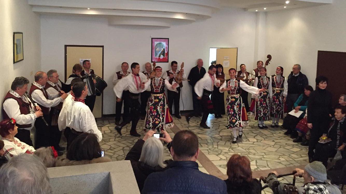 Зам.-кметът Ердинч Хасанов поздрави за Деня на христия� ...