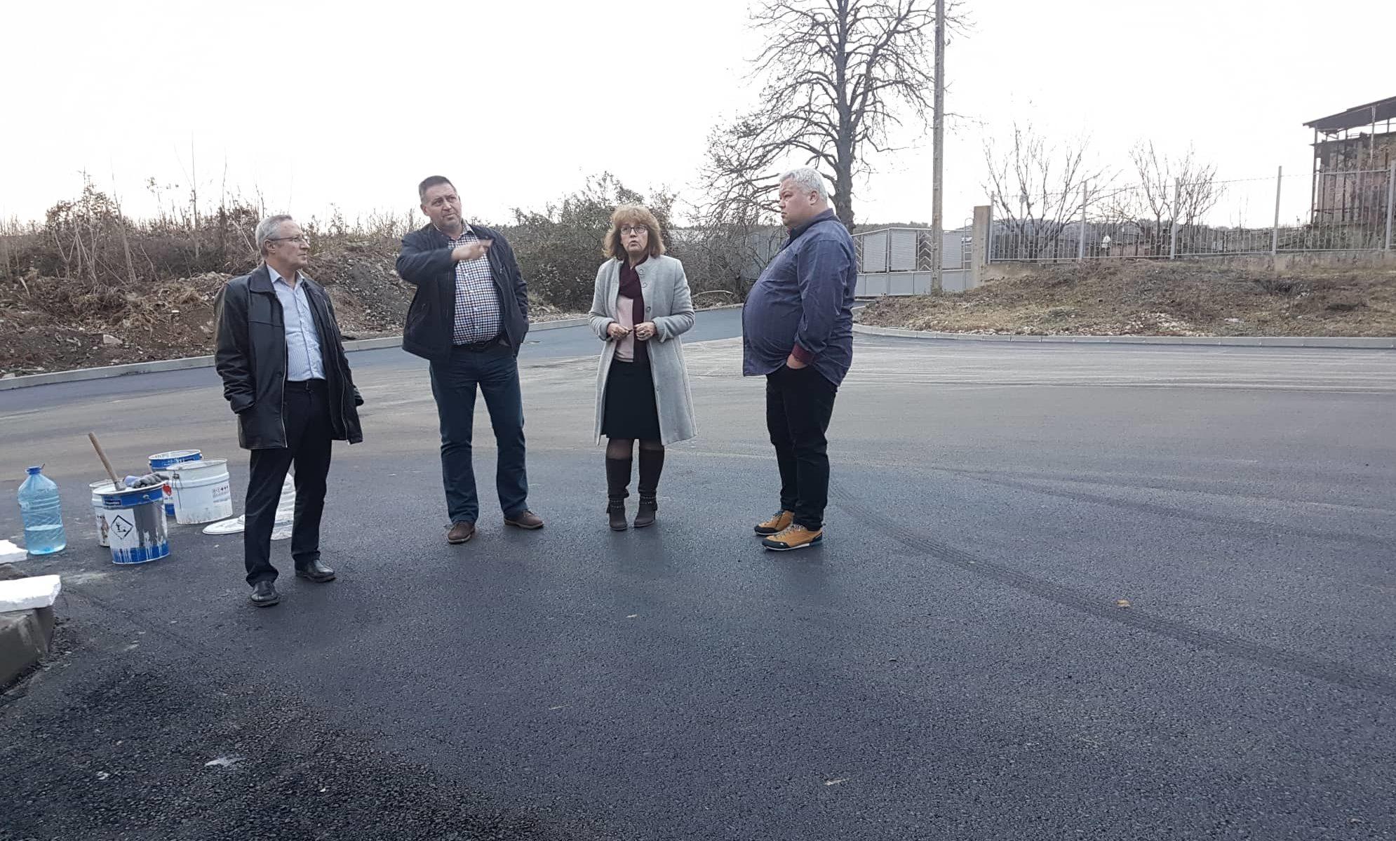 """Община Разград асфалтира подходите към стадион """"Лудо� ..."""