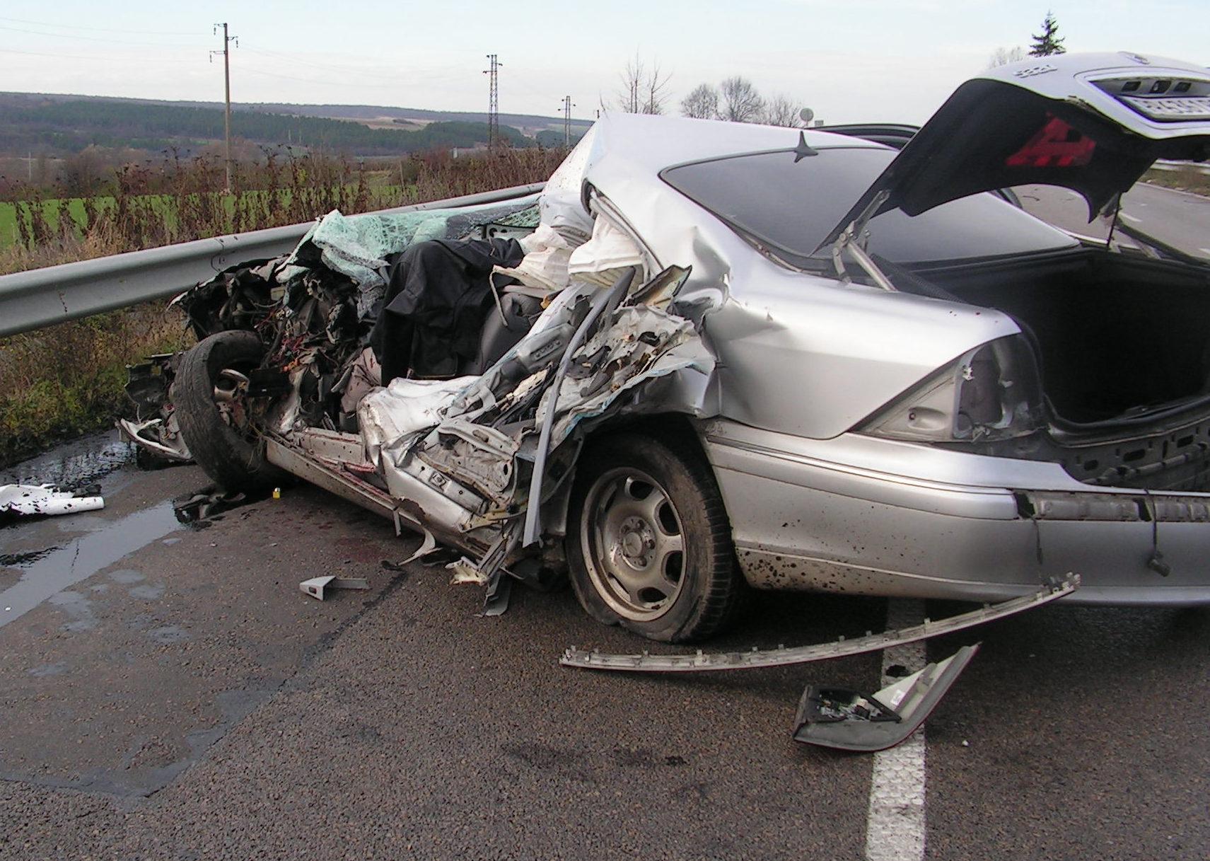 Мъж загина в тежка катастрофа на пътя Разград – Шуме ...