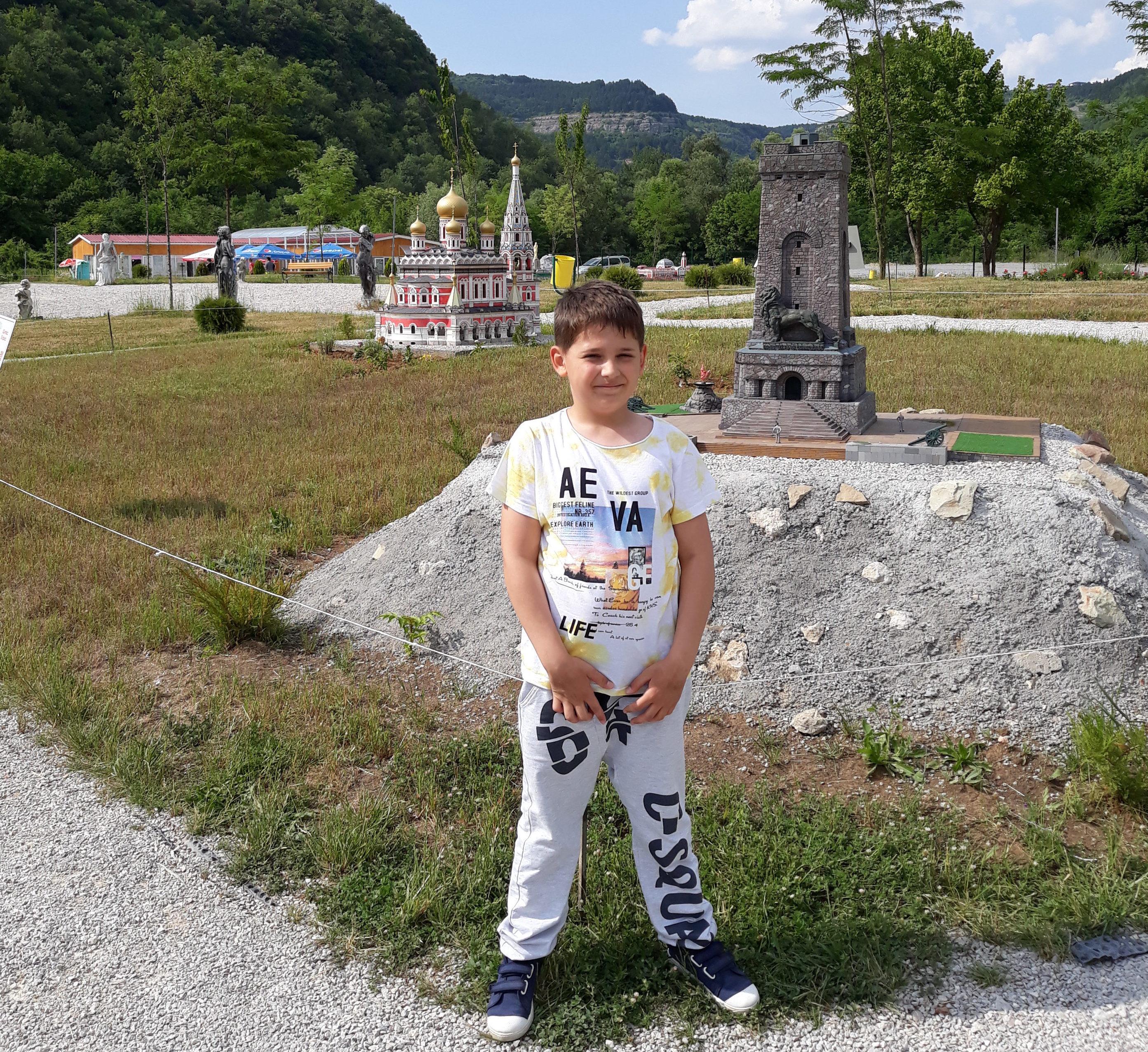 10-годишният Викторио Борисов от Кубрат мечтае да пише � ...