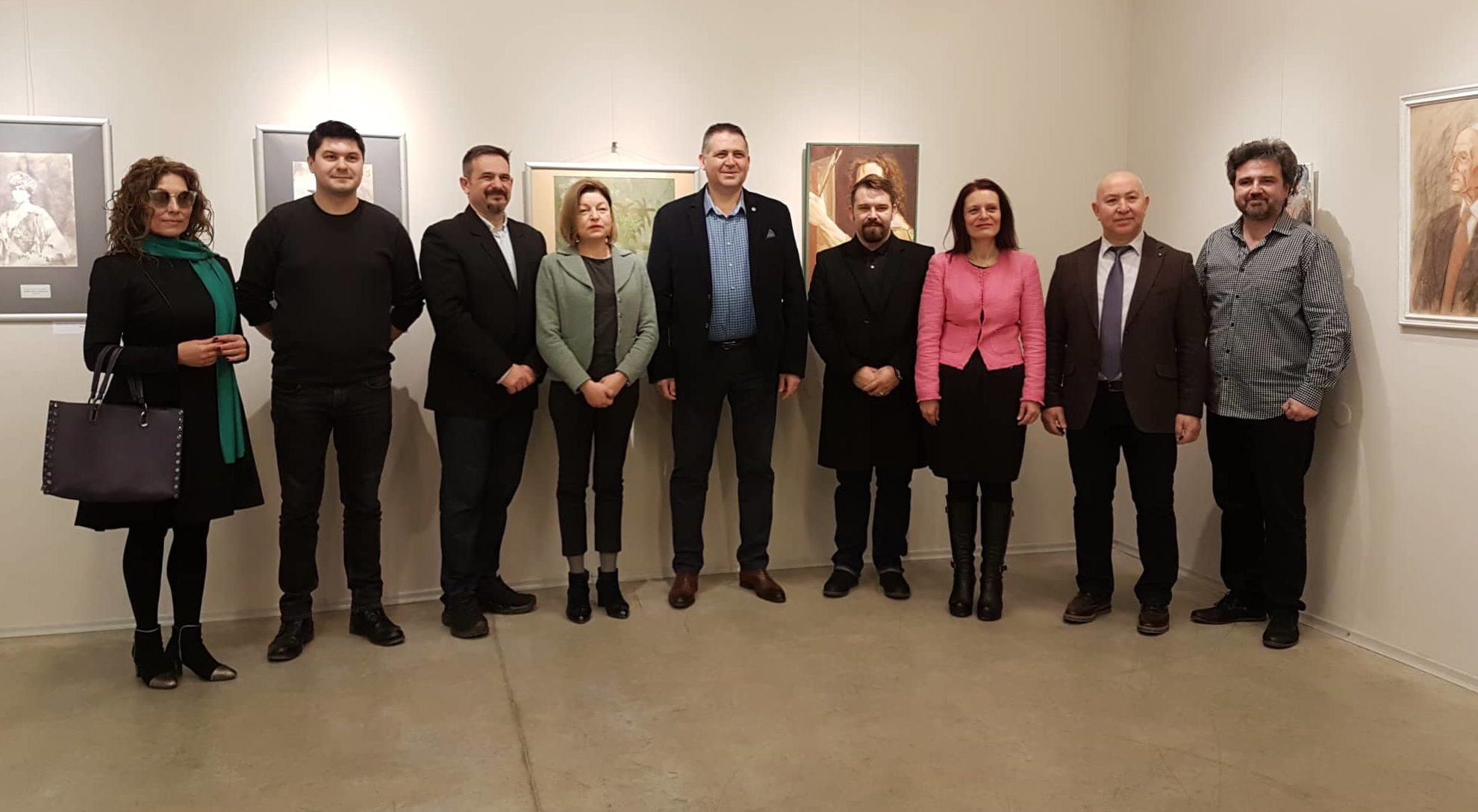 Изложба с картини и пластики на румънски творци от Къл� ...