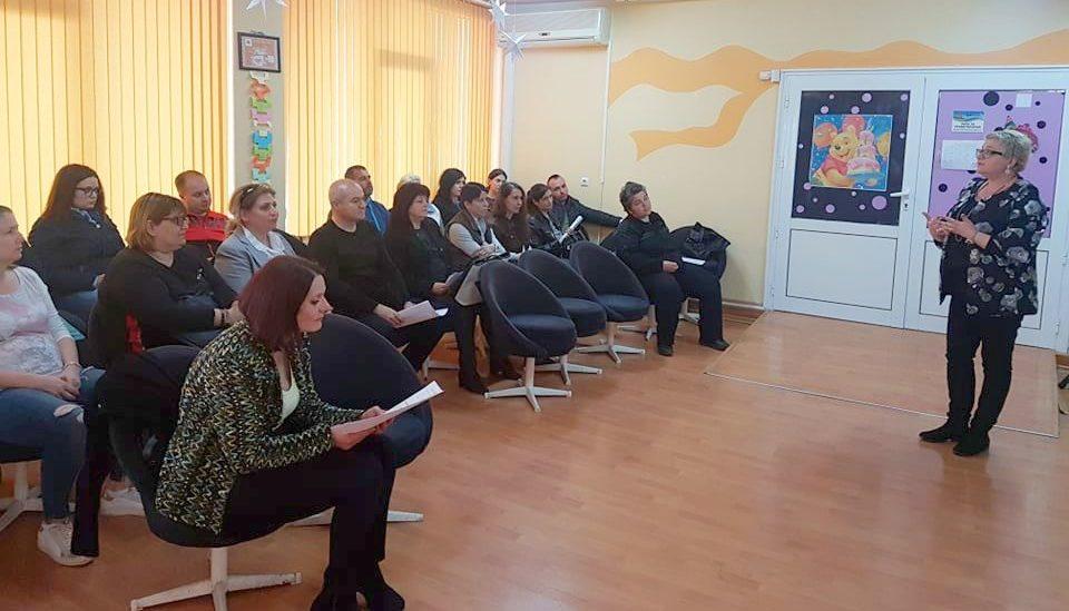 """Зам.-кметът Галина Георгиева беше гост на """"Училище/Раб ..."""