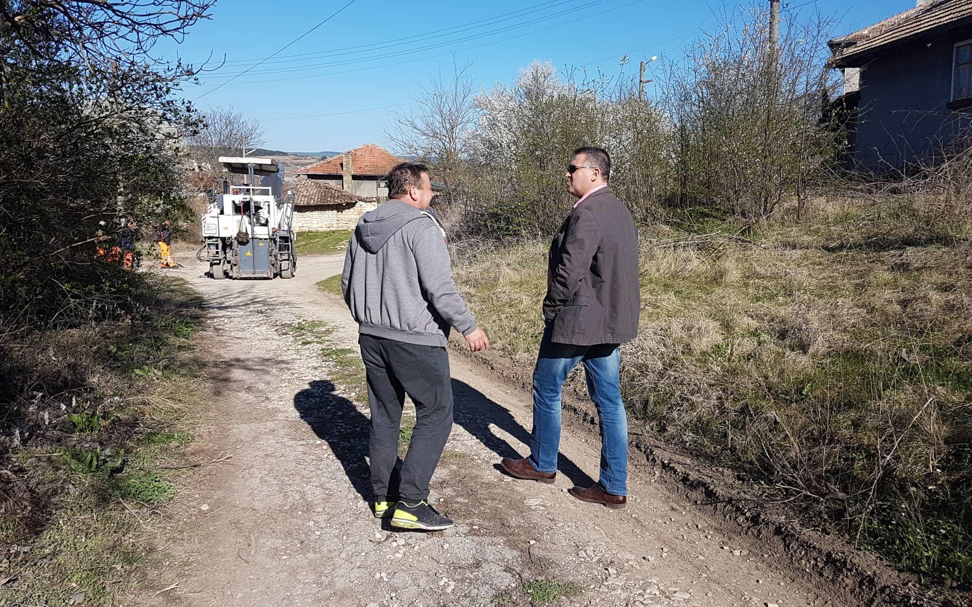 Кметът д-р Валентин Василев провери старта на изпълнен ...